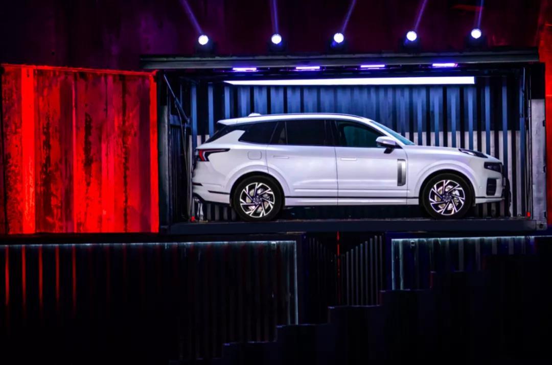 2动力3车型 旗舰SUV领克09售价26.59万起